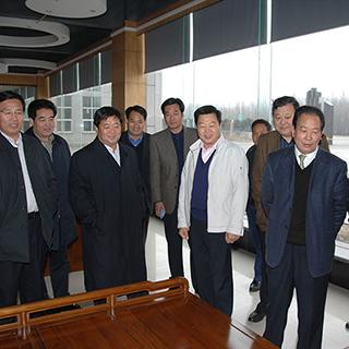 2008全国、省、市人大代表到公司考察