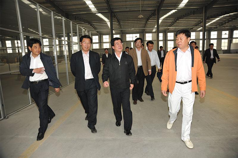2012年市委副书记李峰来企考察