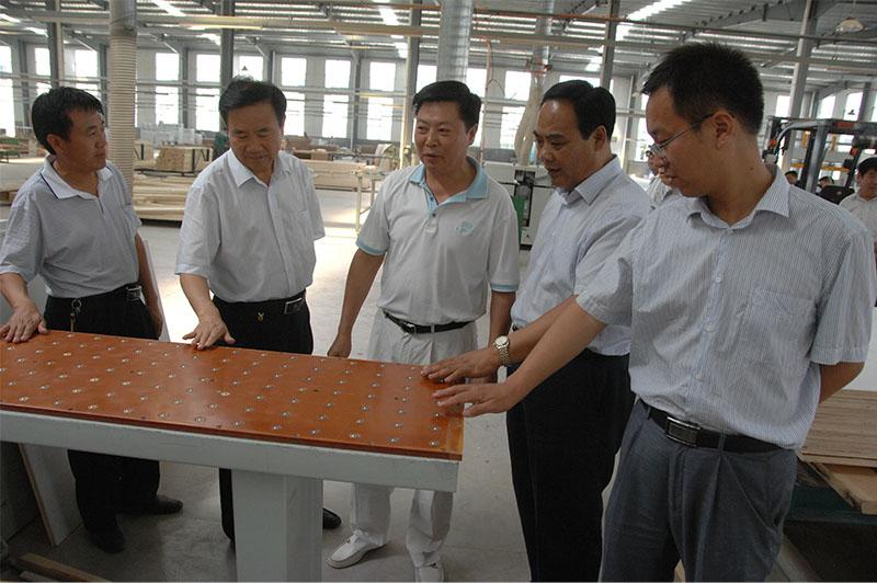 2012年市政府党组成员、临沂经济开发区管委会主任朱玉良来企考察